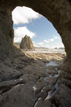 Hole in the Wall - Rialto Beach Washington State