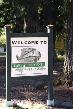 Lake Crescent Lodge Sign